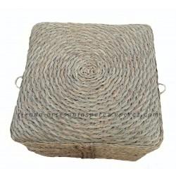 Taburete/puff cuadrado con base redonda en punto capacho