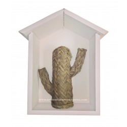 Estantería casita con cactus de esparto natural