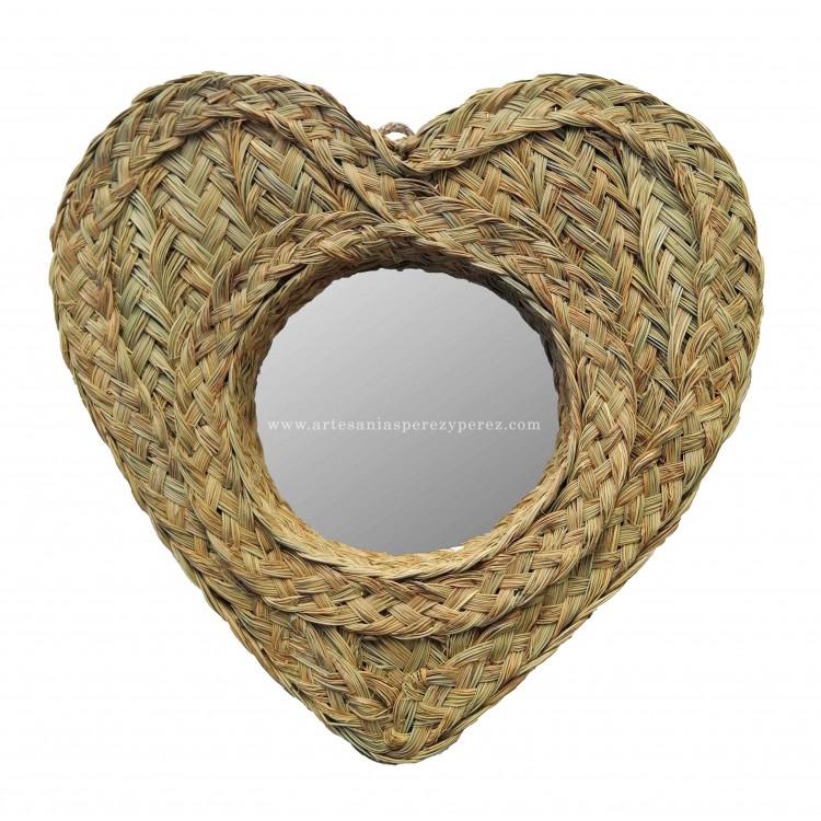 Espejo redondo con forma de corazón